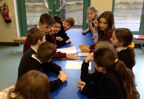 Priory School Pupils visit Year 6